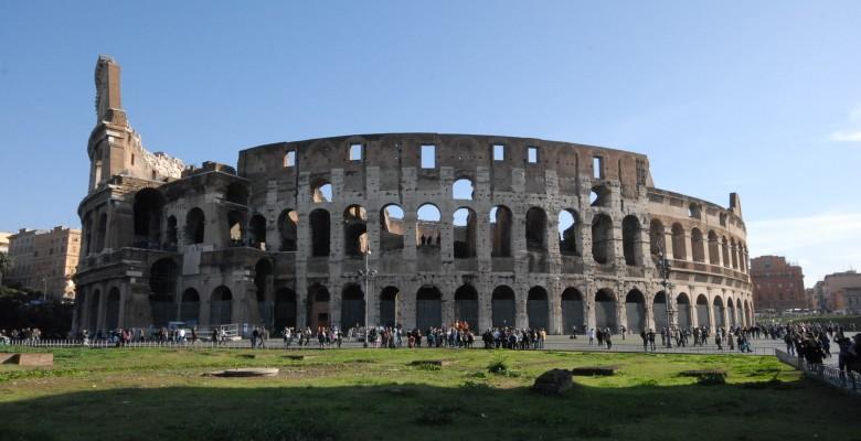 ROME ANCIENT COLOSSEUM