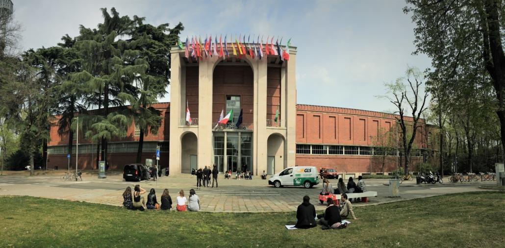 MILAN DESIGN ENTRANCE TO MUSEUM