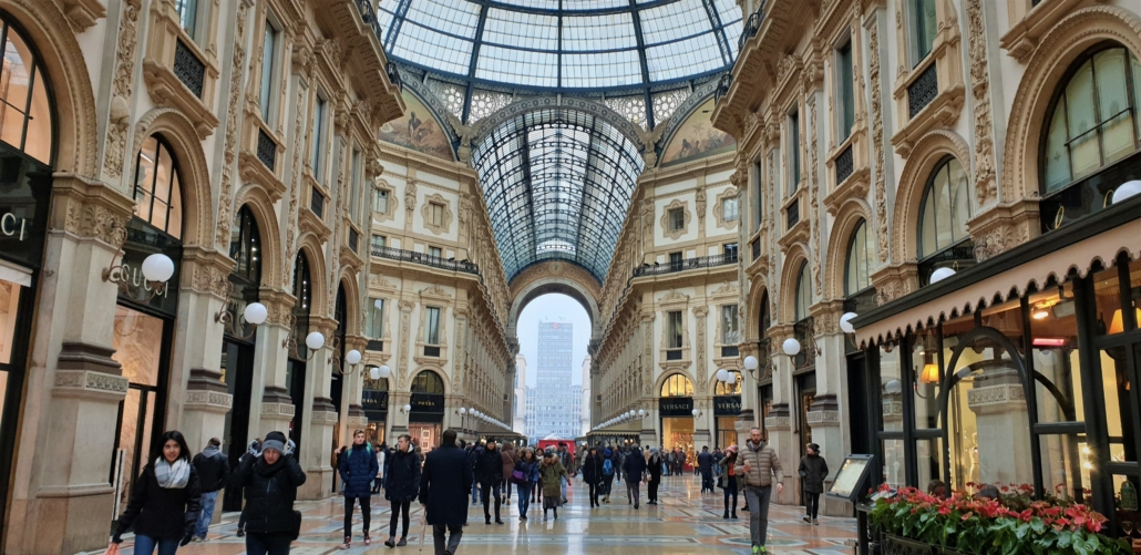 The Squares Of Milan Tours Vibrate And Intense Frantic Energy Of The City