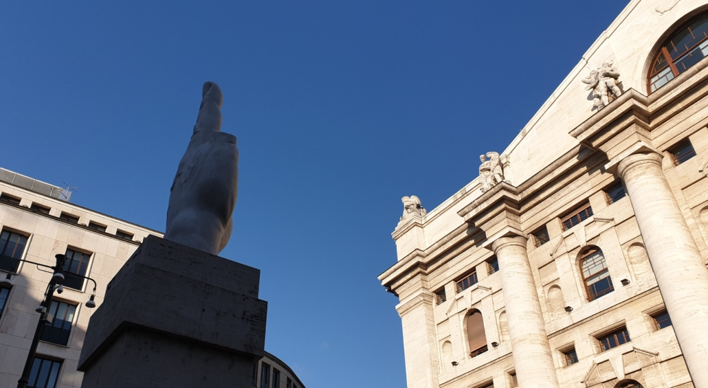 MILAN PIAZZA WITH FINGER